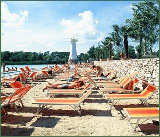 Mediterrán tengerpart és szállás hajdúszoboszlón