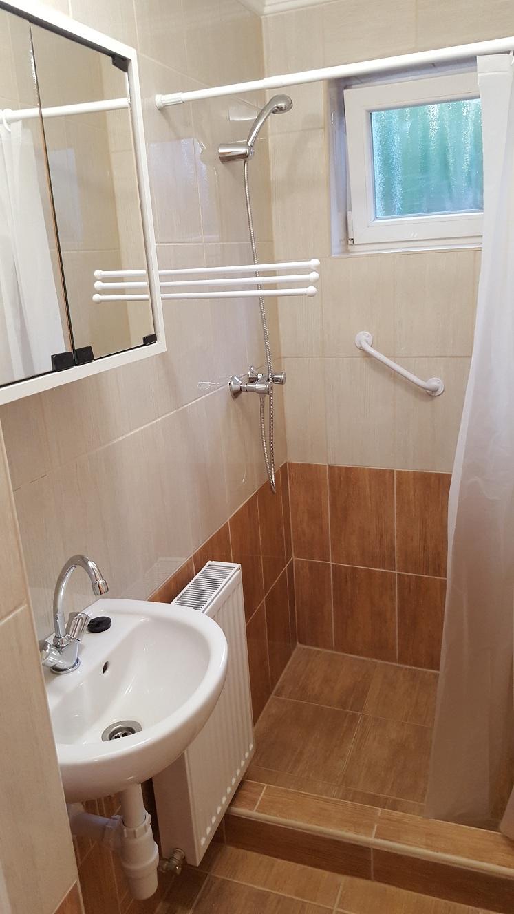 Fürdőszoba Tus - Mary Apartman Hajdúszoboszló